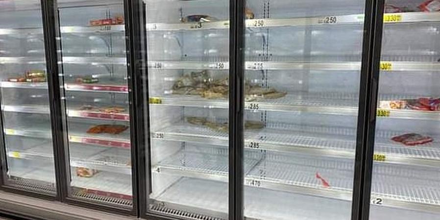憂全國封鎖 英國超市搶購一空