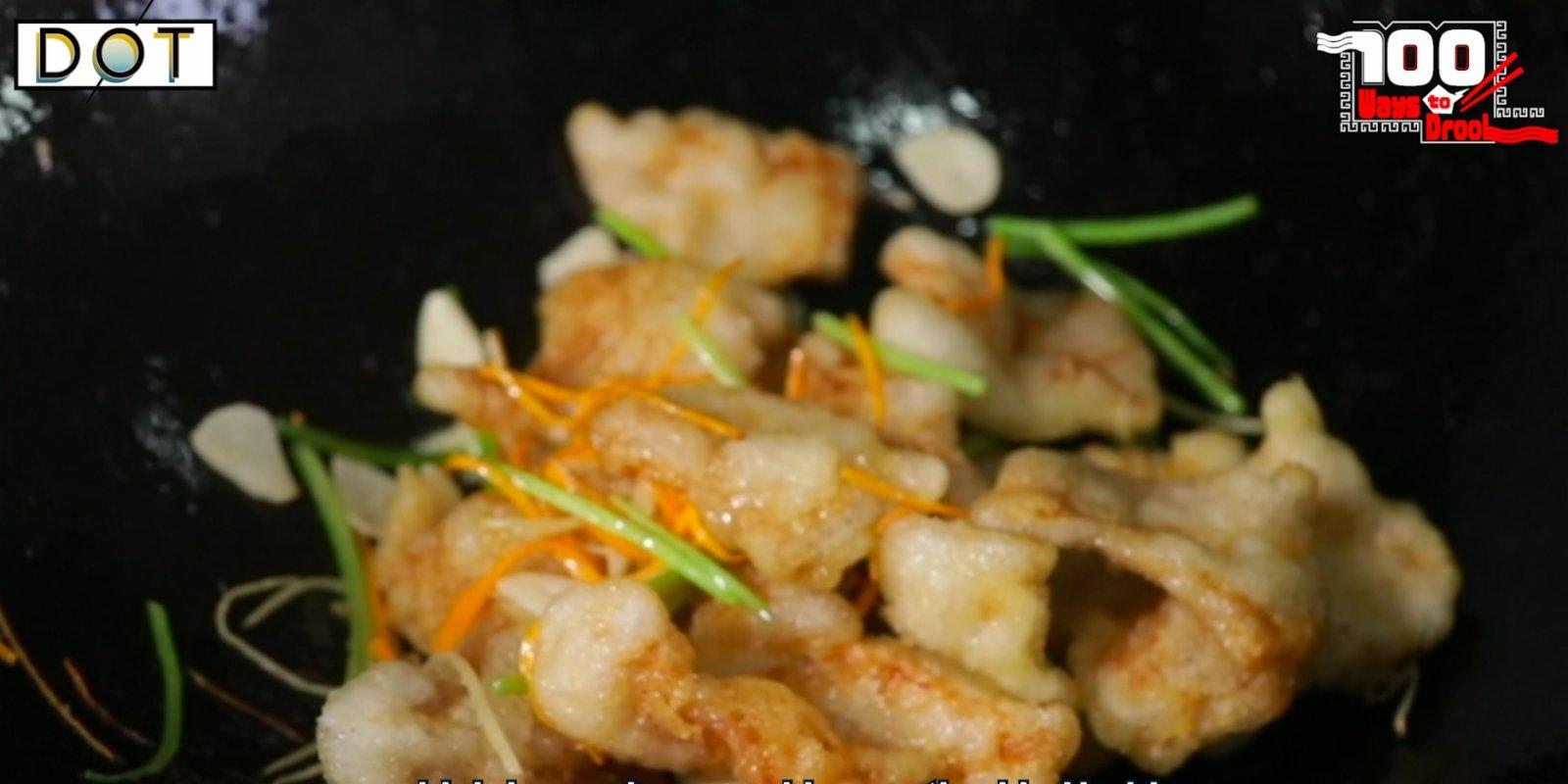 100 Ways To Drool | Exotic taste of Harbin: Fried Pork in Scoop