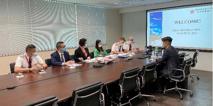 香港貨運航空逆市招機師 助有飛行熱忱者衝上雲霄