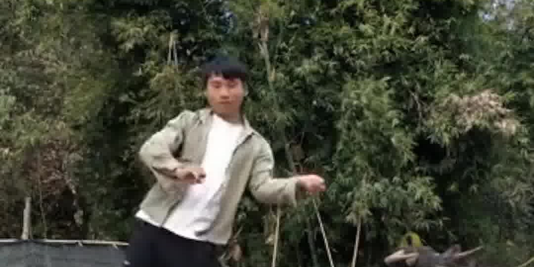 OMG | Amazing popping dance performed by Chinese rural boy