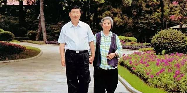 習近平和母親:兩代共產黨人的「約定」