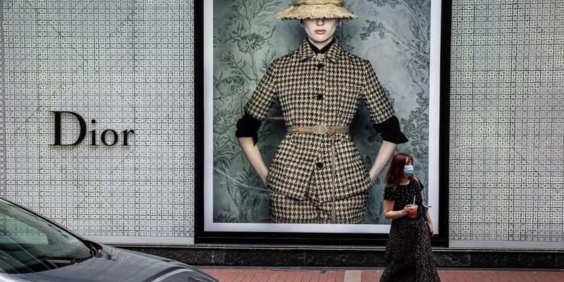 Poll: Desire for luxury goods on rebound in HKSAR, mainland