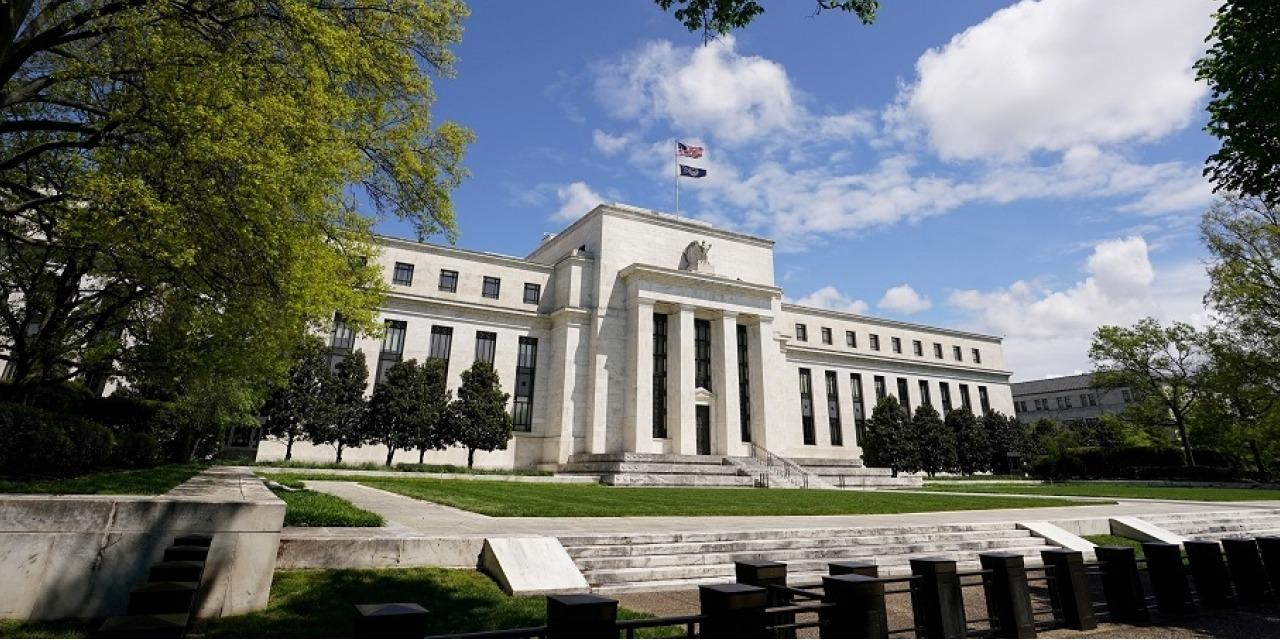 美聯儲局副主席預計2023年加息 道指一度瀉325點