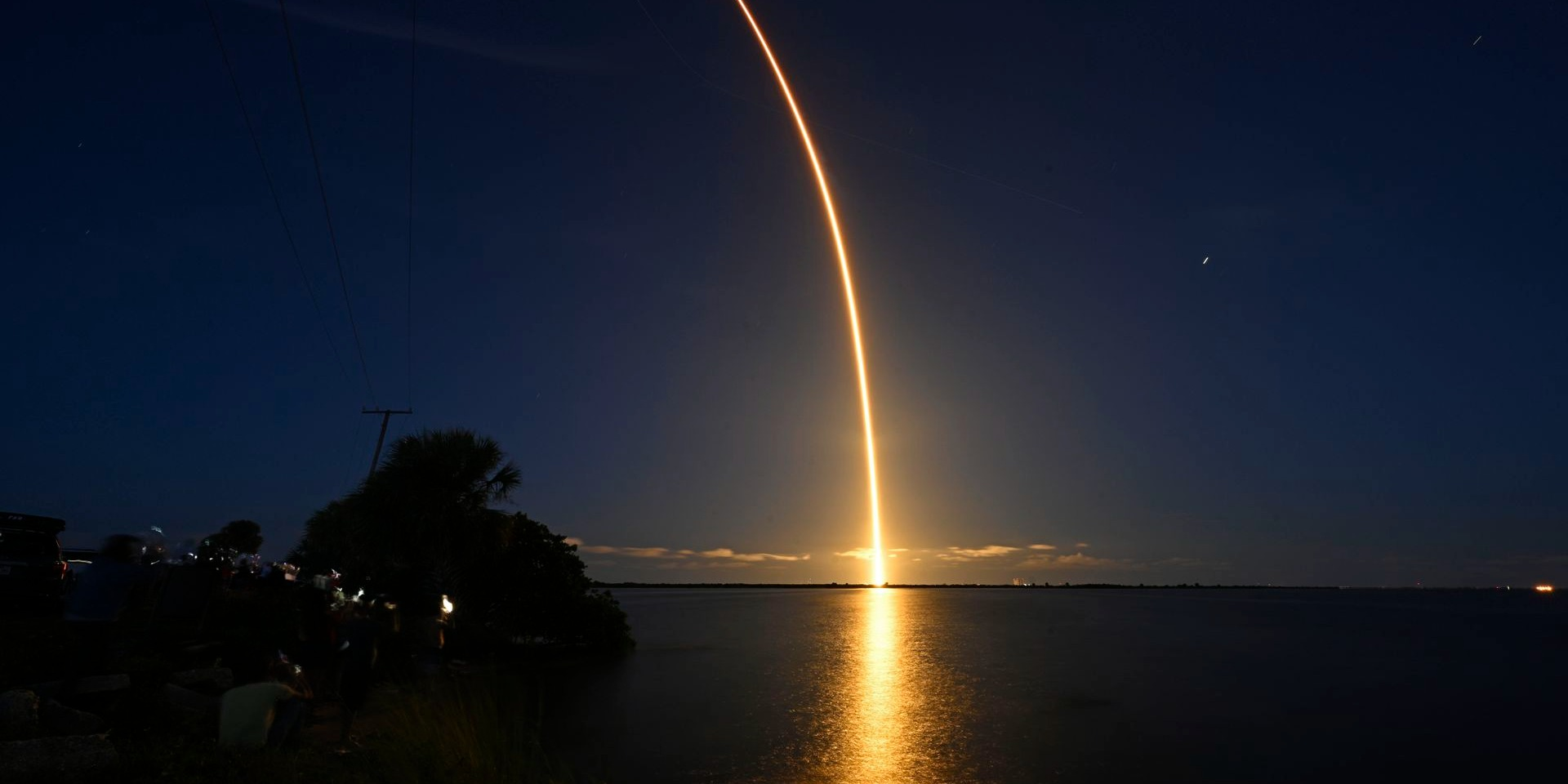 1st all-civilian crew: SpaceX launches 4 amateurs on private Earth-circling trip