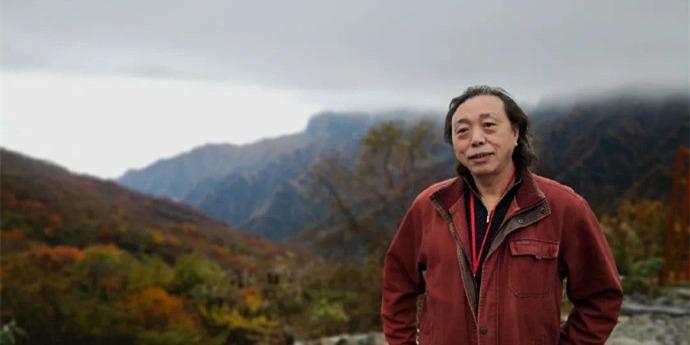多名時事評論員致信特首 籲全面調查江迅死因及檢討公院運作